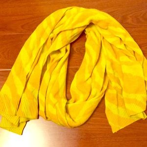 NWOT Banana Republic merino wool scarf
